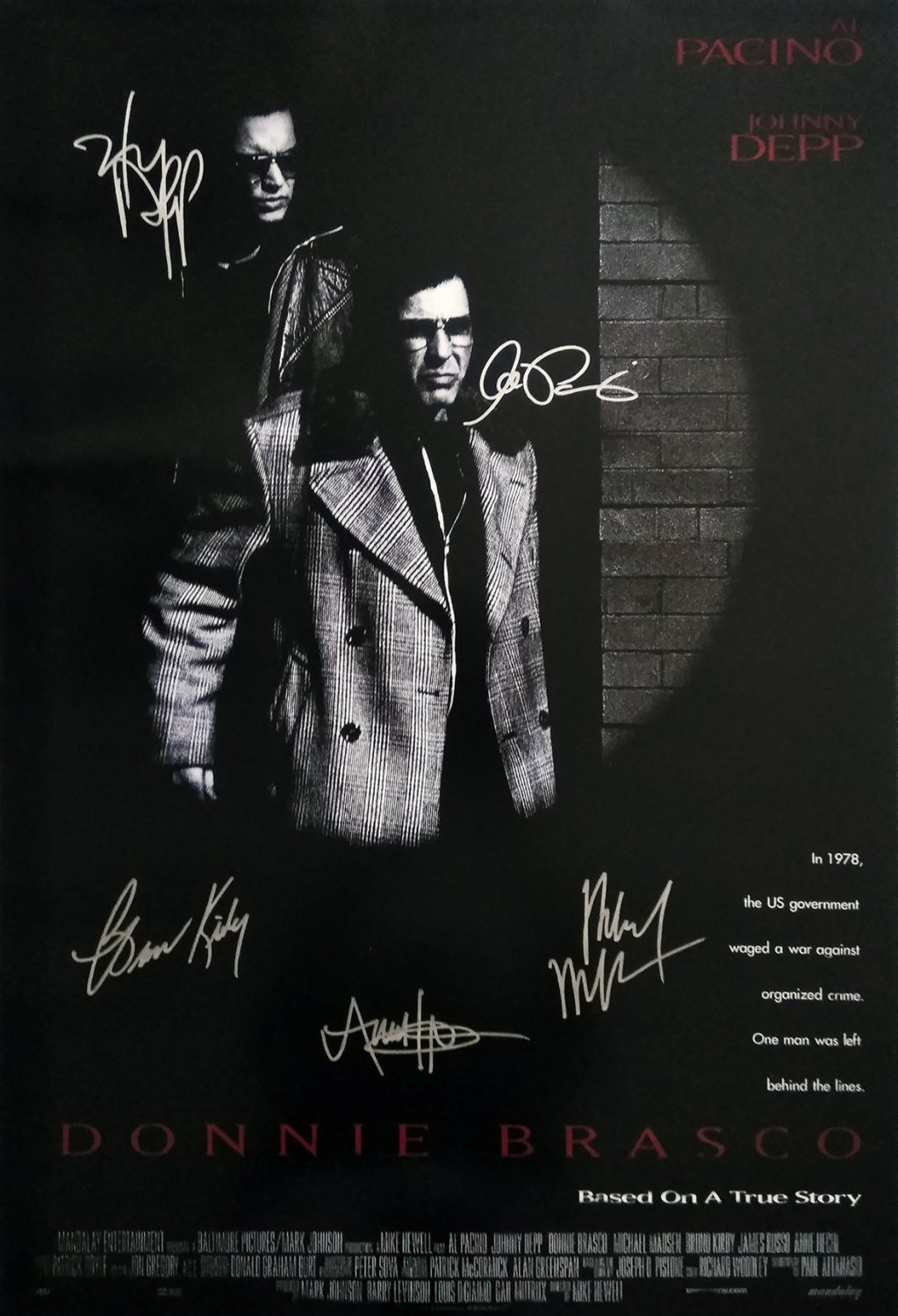 signed DONNIE BRASCO MOVIE Poster by 5 members of the Cast