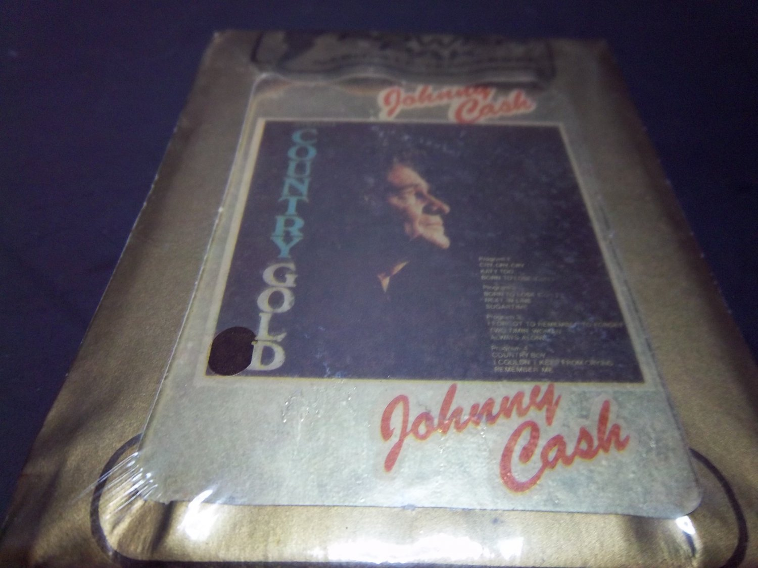 Johnny Cash Country Gold NEW  SEALED - PO 1246 - 8 Track (E-1282)