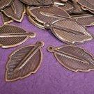 24pc 24mm antique bronze leaf shape charm-502