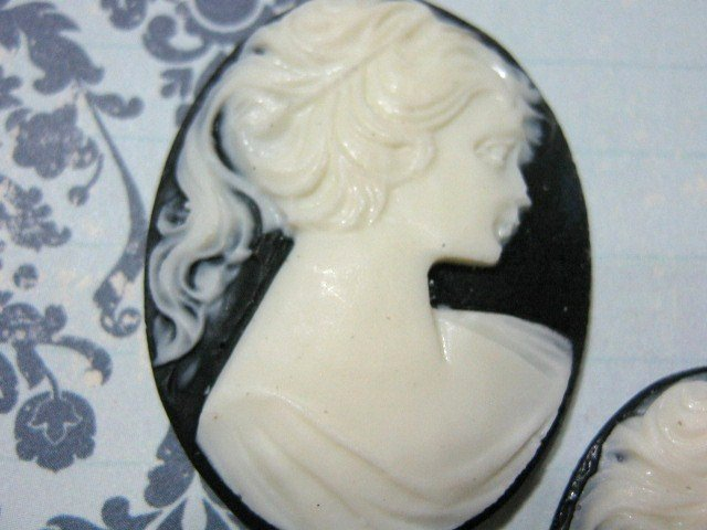 Lady Cameo 40x30mm White on Black Resin Cabochon