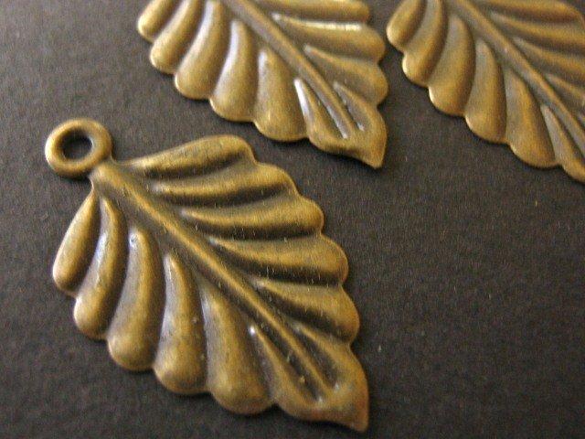 Findings Leaf Charm 26x15mm Antiqued Bronze Nickel Free 30 pcs