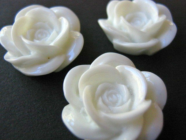 White Rose Flower 17mm Resin Cabochon