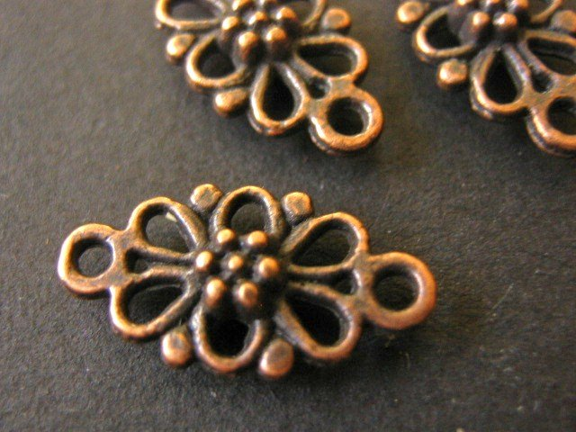 Connector Links 16x8mm Daisy Antiqued Copper Nickel Free 20 Findings