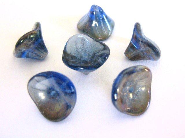 Sapphire Celsian Blue Czech Glass Beads 10x12mm Flowers 3 Petal