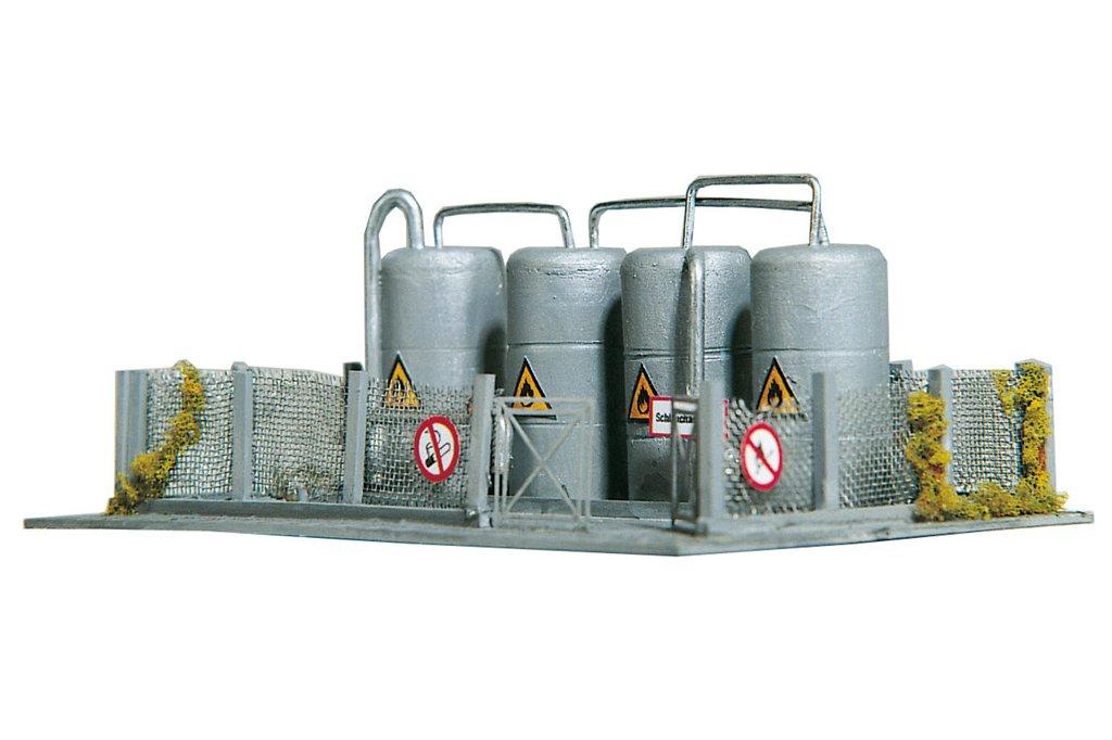 Piko N 60012 WARWICK OIL TANKS, BUILDING KIT (N-SCALE) Mint In Box