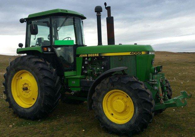 PDF John Deere 4055, 4255, 4455 Tractors Service Repair Technical Manual (TM1458)