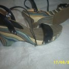 Womens Size 9 Chiese Laundry  Gently Used
