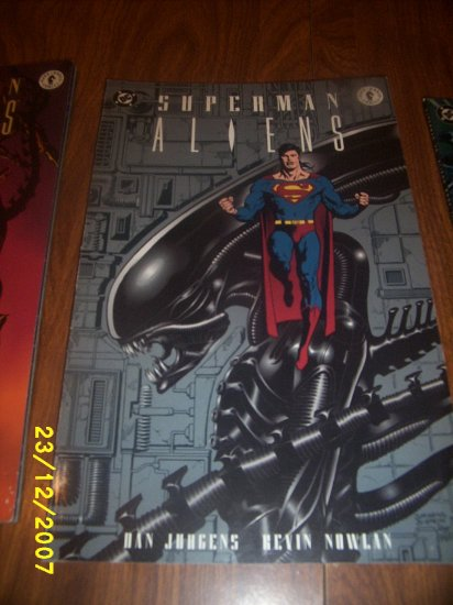 Comic Superman  Aliens  x 1   1 of 3