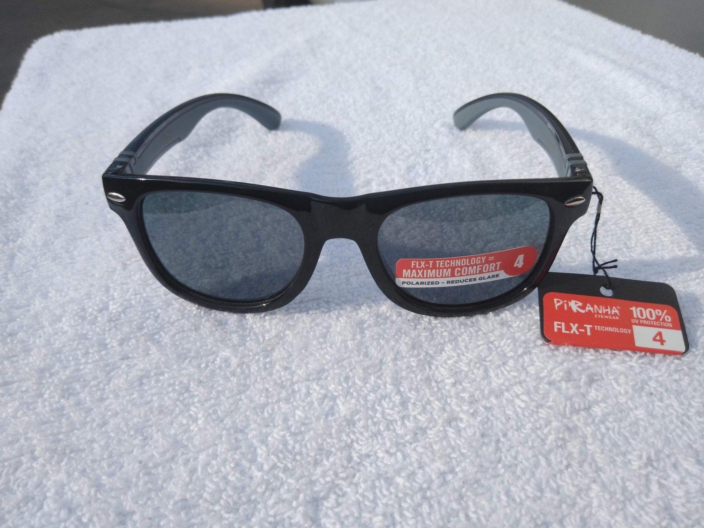 PiRanha Eyewear FLX-T Technology Sunglasses Black/Grey 100% UV 3018