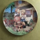 "MJ Hummel Squeaky Clean Little Companions 23K Gold Trim 8"" Collector's Plate S6108 Danbury Mint"