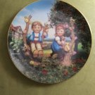 "MJ Hummel Apple Tree Boy & Girl Little Companions 23K Gold Trim 8"" Plate S6108 Danbury Mint"