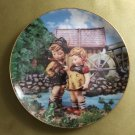 "MJ Hummel Hello Down There Companions 23K Gold Trim 8"" Collector's Plate S6108 Danbury Mint"