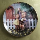 "MJ Hummel Come Back Soon Little Companions 23K Gold Trim 8"" Collector's Plate S6108 Danbury Mint"
