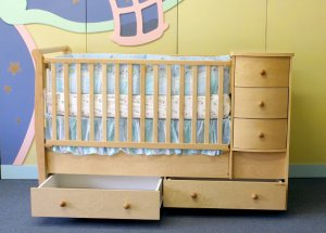 Giovanni Rizzo Crib and Bed Combo with 5 Drawers & Nightstand MSRP $899.99
