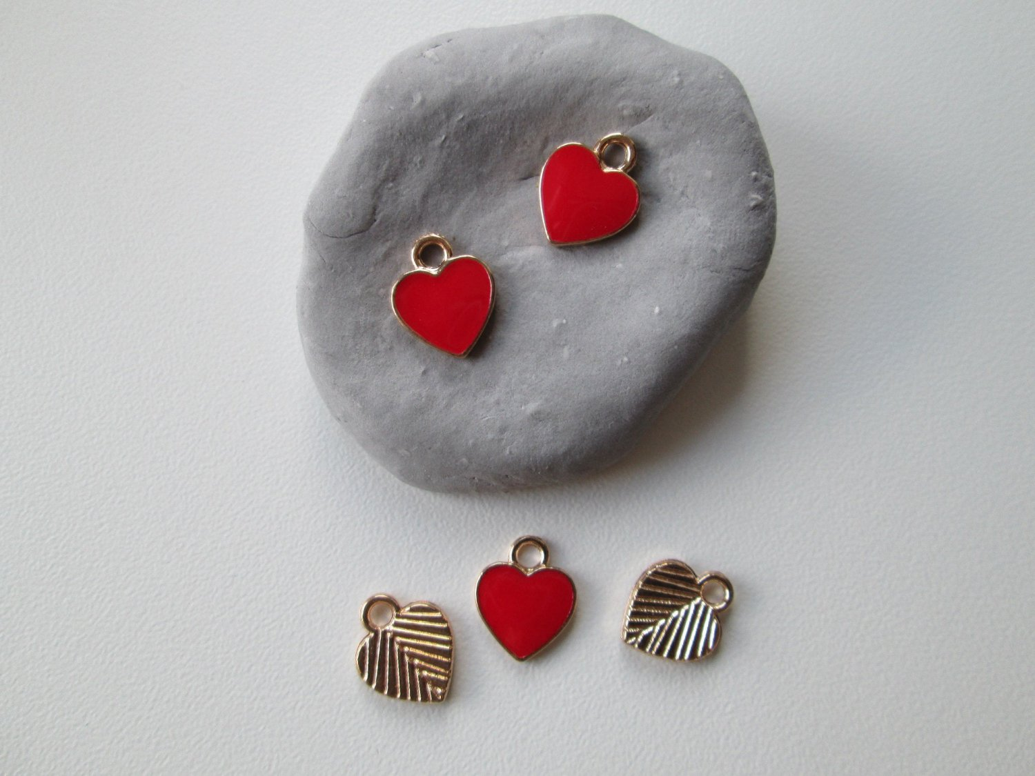 Red Enamel Hart Charm, 5 Pieces Heart Charm.