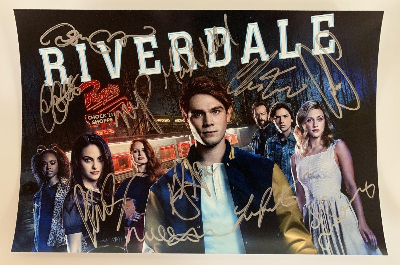 RIVERDALE cast signed autographed 8x12 photo K.J. Apa Lili Reinhart photograph