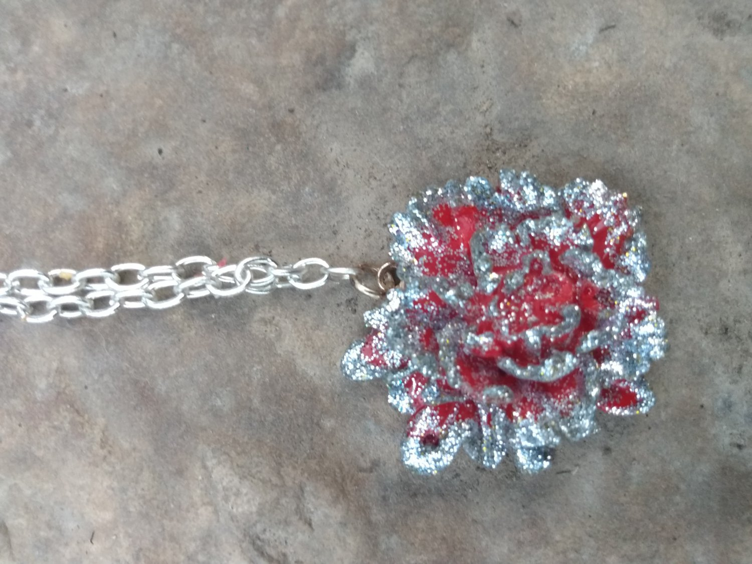 Red rose pendant necklace