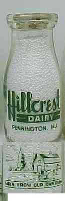 HILLCREST DAIRY, Pennington, NJ Milk Bottle green, farm pix Py Rd HP Con NM p14 read FAQ