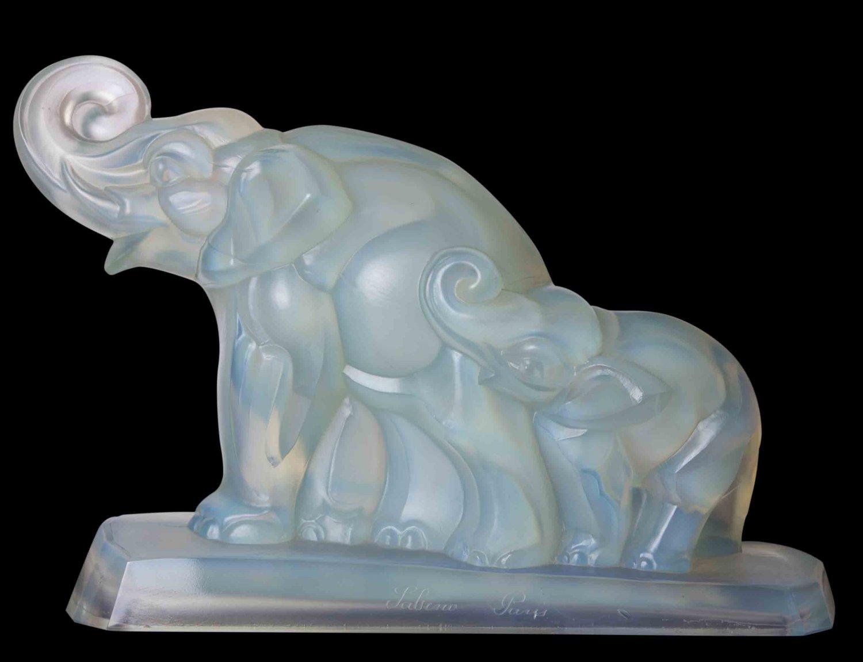 Decor Art. France. Sabino Glass Figurine. Elephant with a calf.