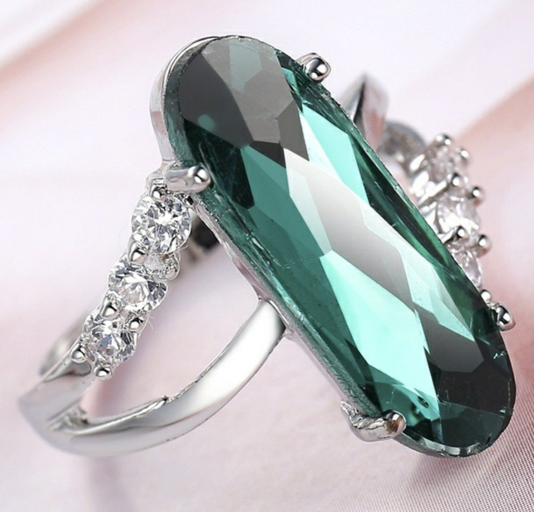 Sterling Silver Plate Emerald & White Australian Crystal Ring Size 7