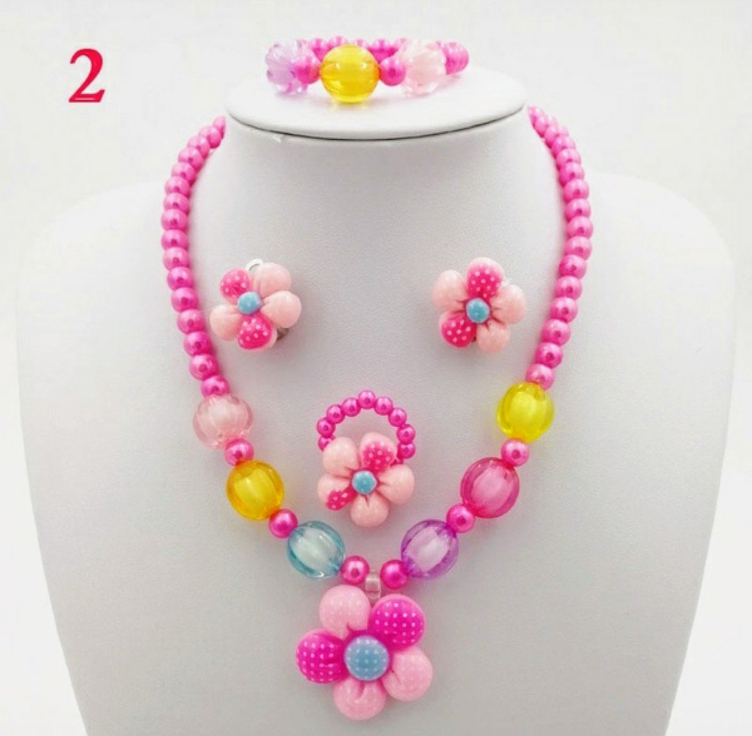 4pc Pink Beaded Flower Jewelry Set