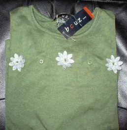 NWT BCUZ Long Sleeve Casual Top Ladies Size Large Green w/Gray Flowers Grommets