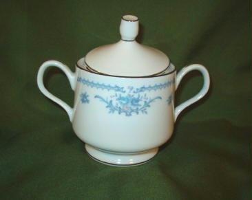 Ekco International Covered Sugar Bowl Winsford Pattern Rare