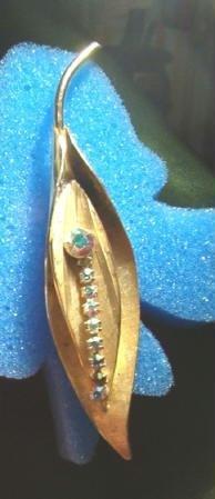 Aurora Borealis Rhinestone Golden Brooch Pin Vintage ~ Estate Find