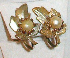 Vintage Earrings Golden Leaf and Faux Pearl Design - Screw Back