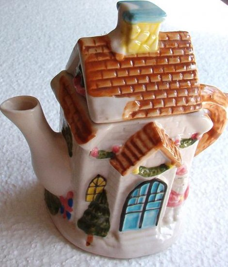 Houston Harvest Gift Co Tea Pot House Cottage Holiday Decor As New