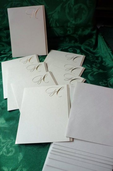 Package of 8 Initial Letter ~ H ~ Note Cards and Envelopes