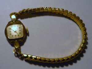 Ladies Vintage Helbros 17 Jewel Wristwatch Swiss Movement 10k Gold rp Runs!