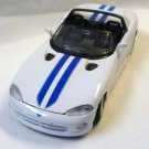 Maisto rt 10 Dodge Viper Die Cast Car 1 : 24 White with Blue Stripes