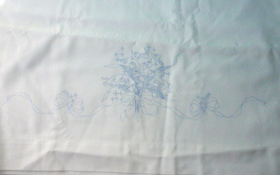 Pair of Pillowcases to Embroider or Paint Flowers Bouquet Brand New 31 x 20