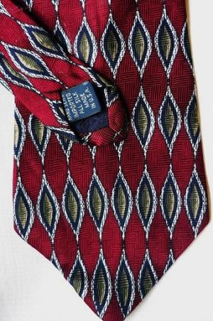 Roundtree and Yorke Silk Tie Green Gold on Maroon - New