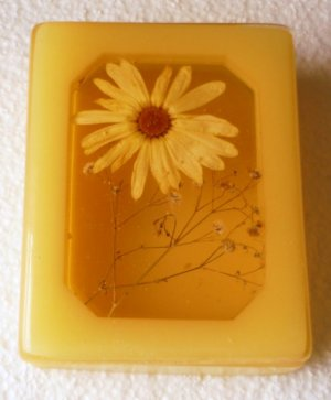 Yellow Lucite Acrylic Trinket Box w/Flower Retro 1974 by Design Gift Intl