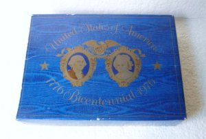 Bicentennial Decorative Glass Plate and Two Soaps by Avon Vntg NIB