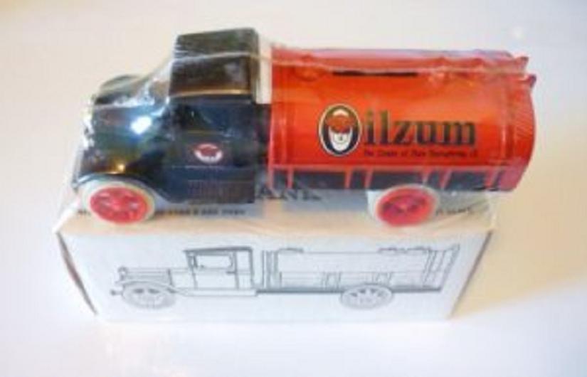Sealed New 1990 Ertl Oilzum Petroleum Pioneers 1931 Hawkeye Tanker Bank Rare