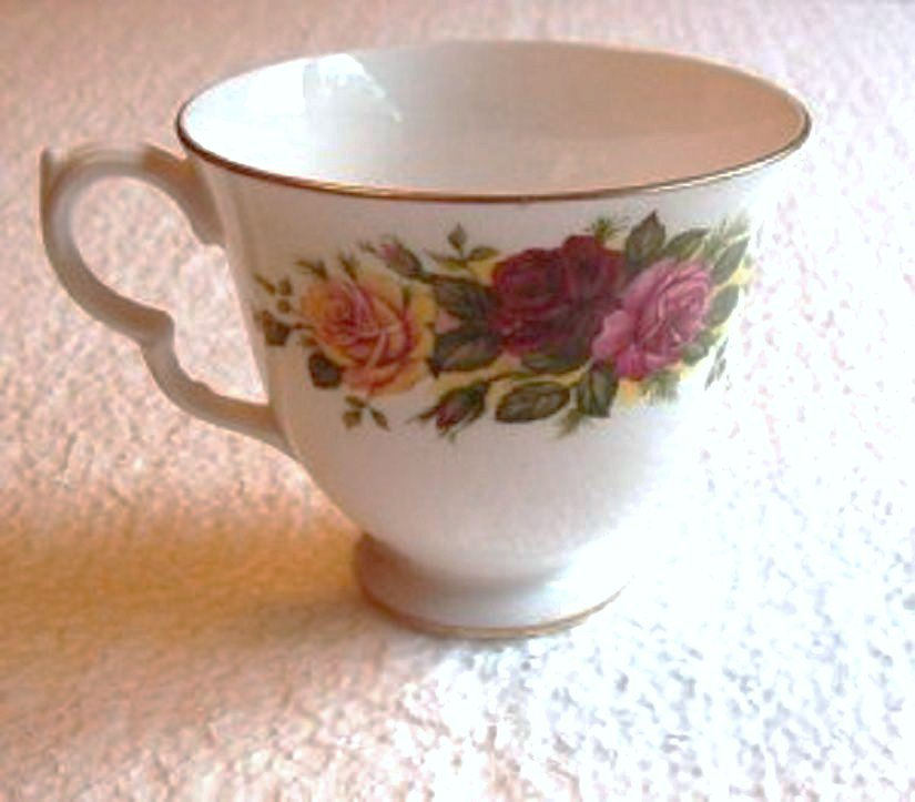 Ridgway Royal Vale Cup Triple Rose Flowers number 8281 Mint