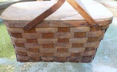 Basketville Picnic Basket of Putney Vermont  w Handles 17 Inch