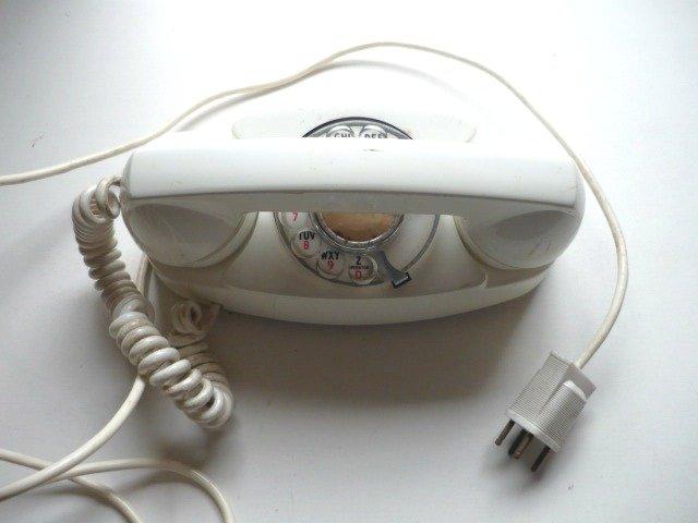 Vintage Stromberg Carlson Rotary Dial Telephone