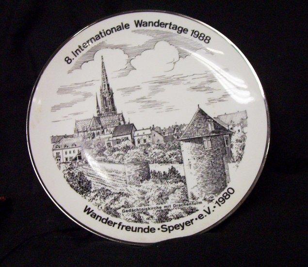 8. Internationale Wandertage 1988 Com. Plate