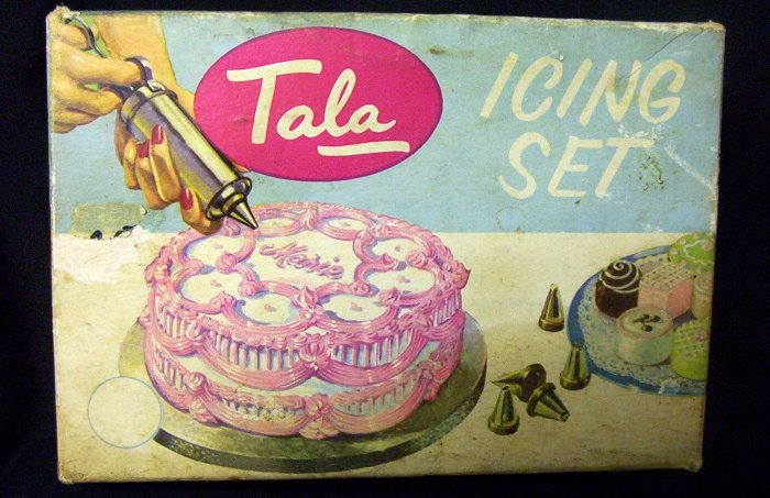 Tala Icing Set with 14 different decorator tips - complete