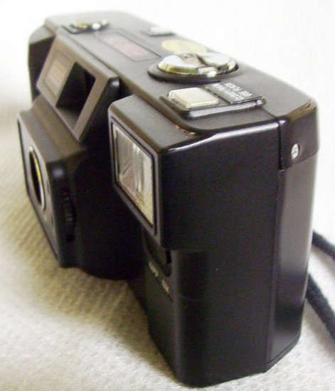 Eumig 35 Focus Free 35mm Camera F4 with color lens