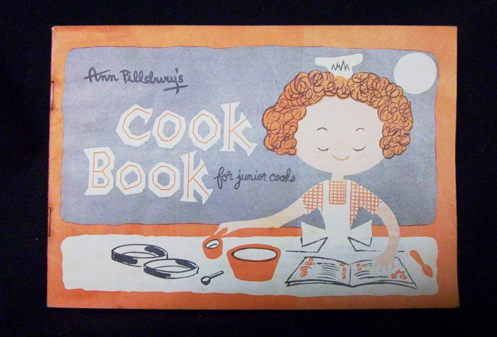 Ann Pillsbury's Cook Book for Junior Cooks (Bilingual)