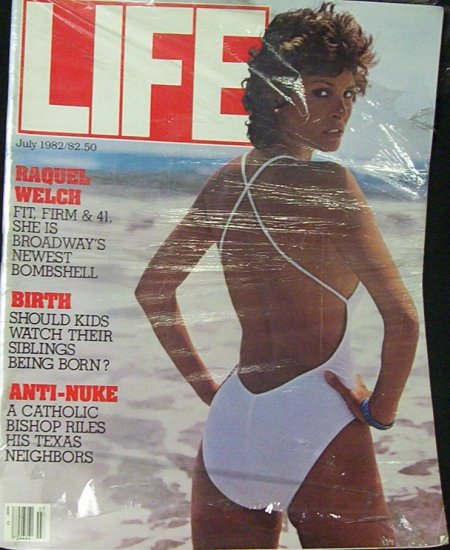 LIFE MAGAZINE July 1982 Raquel Welch
