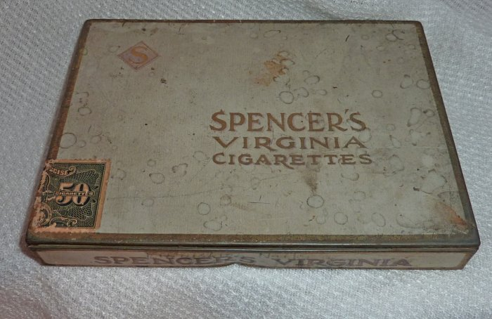Vintage Spencer's Virginia Flat Tin (50's)  C. 1930's