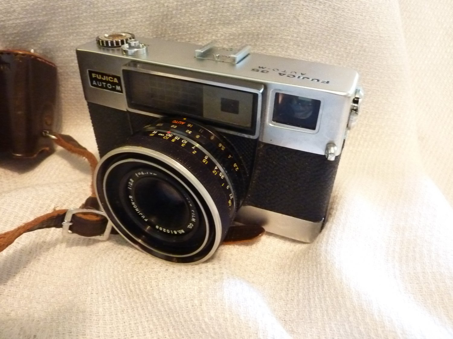 Fujica 35 mm Auto-M With Field Case