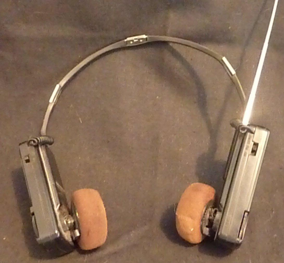 Toshiba PP2038 Portable AM/FM Ear Phone Set