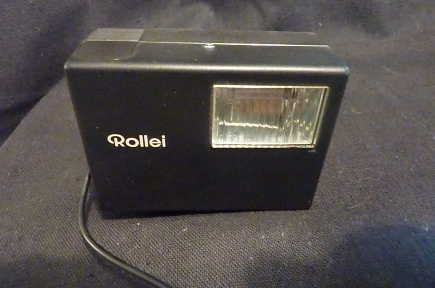 ROLLEI E15B HOT SHOE FLASH WITH CABLE